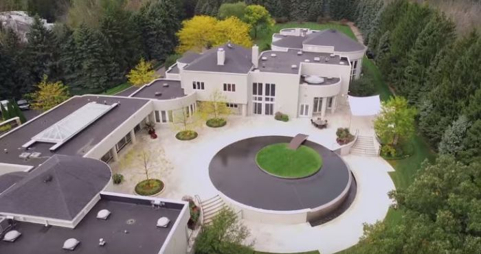 House Hunting Michael Jordan S Jaw Dropping Estate Is Available For