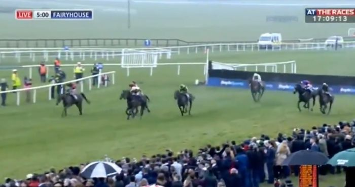 Uitgelezene Watch: Absolutely Bonkers Finish To Irish Grand National As 20/1 DD-58