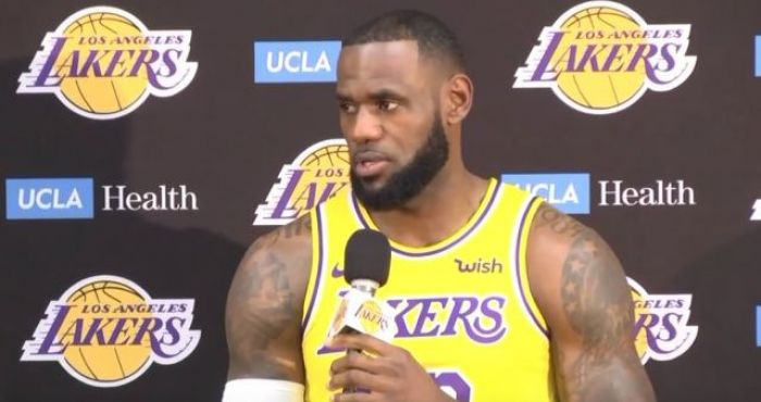 size 40 04757 491f4 Report: Lebron James Can't Proceed With Jersey Swap Due To ...
